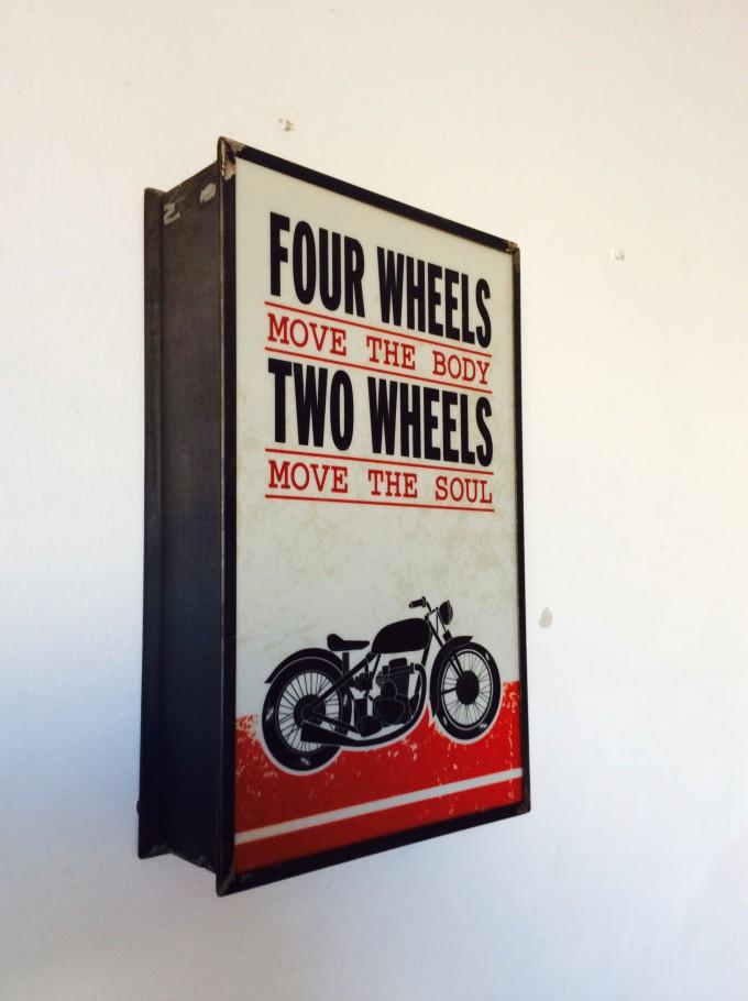 Cartel de MOTORCYCLE de cerca