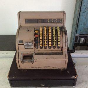 Caja registradora años 50 frontal