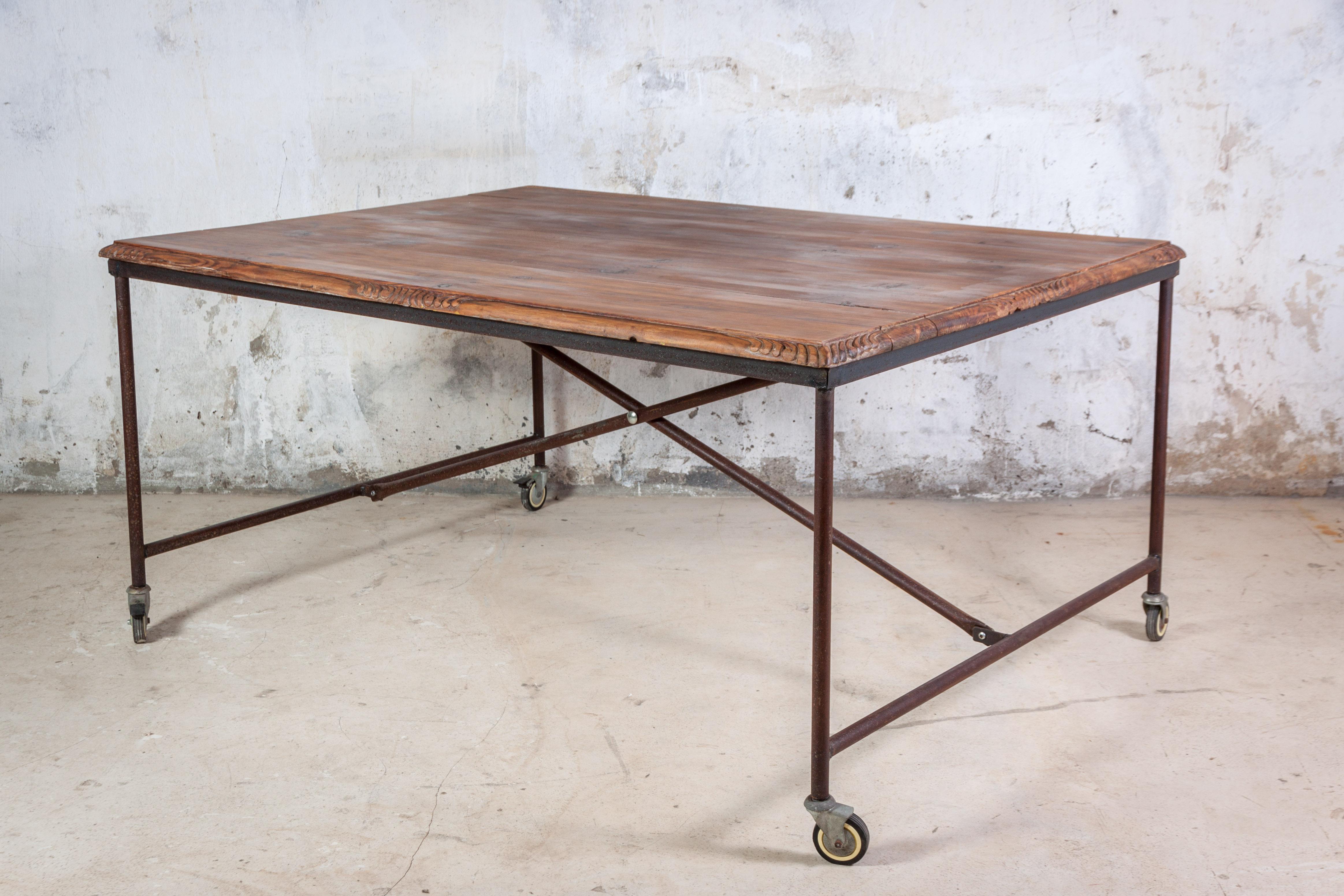Mesa industrial con sobre de madera de nogal recuperada - Mesa madera industrial ...