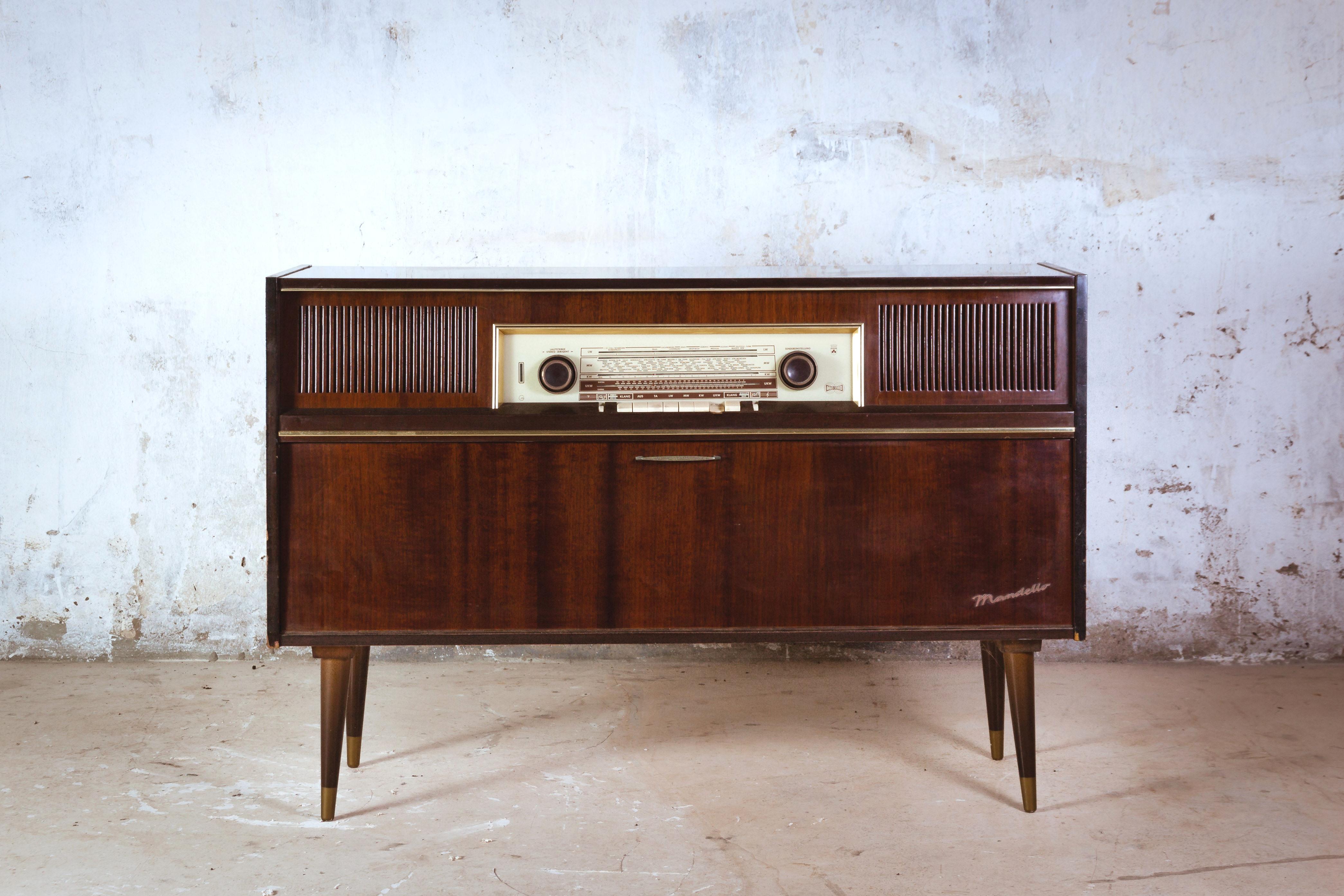 Radio Tocadiscos De Los A Os 60 Polonium 209 # Muebles Tocadiscos