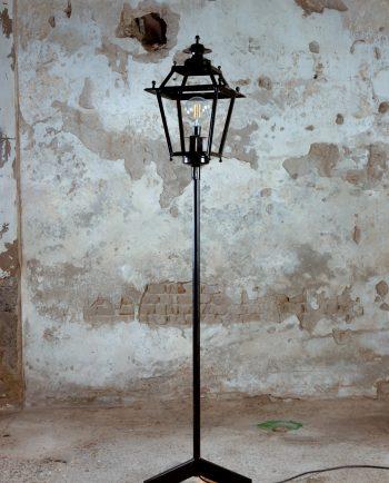 lampara de pie reciclada